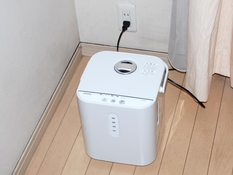 コンパクトでシンプルなデザインなので、部屋の隅に置くと邪魔にならない