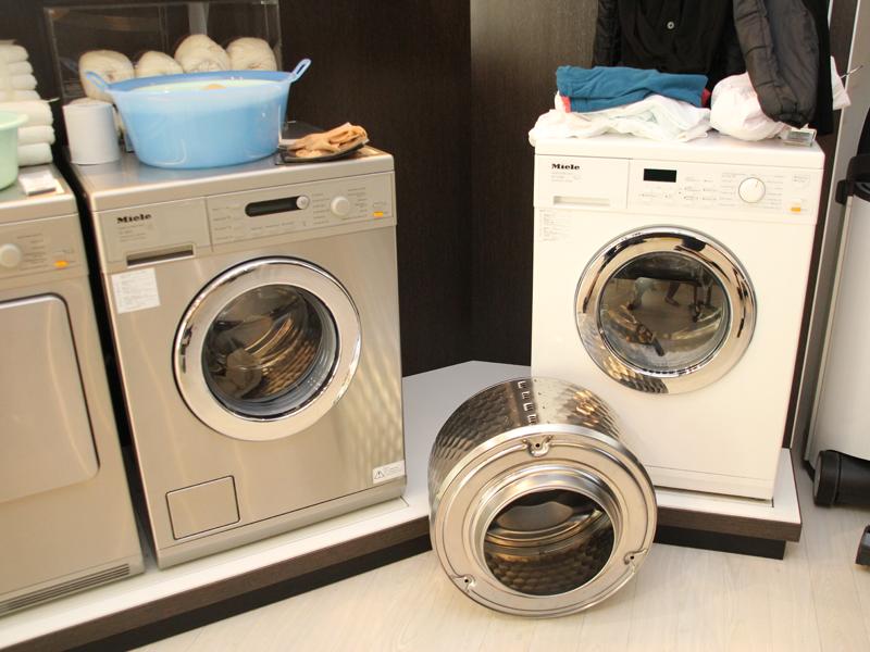 ミーレの洗濯機のラインナップ。欧州でメジャーなドラム式で、乾燥機と洗濯機が別々になっているタイプもある