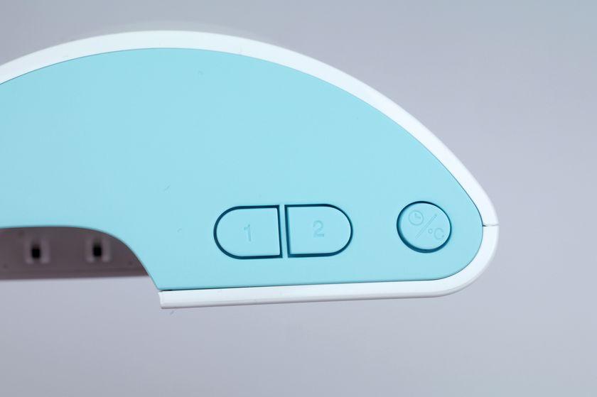 親機についているボタン。左の2つは「Bluetooth登録ボタン」、右は「表示切替ボタン」
