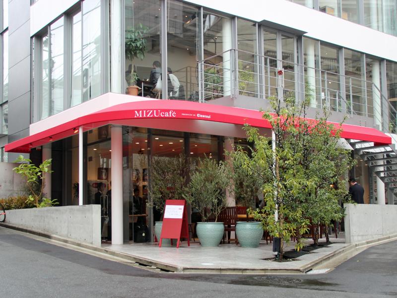 表通りから1本入った場所にオープンする「MIZU cafe PRODUSED BY Cleansui」