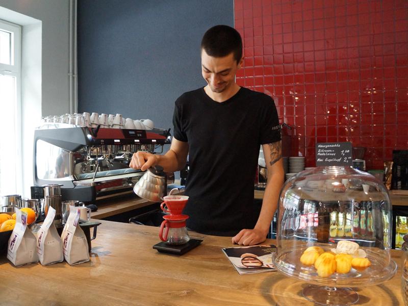 アメリカ・シアトルでの人気を皮切りに、欧米各国のカフェでV60が使われるようになった