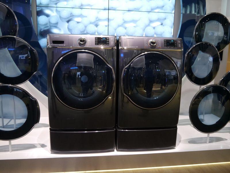 洗濯乾燥機のフラッグシップとなる9000シリーズを展示