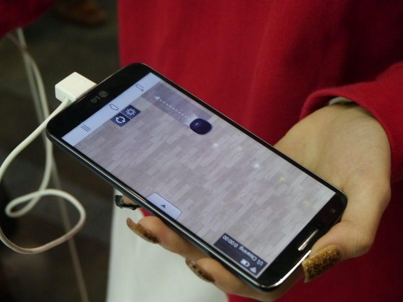 HOM-BOTでは部屋内の掃除の状況をスマートフォンに表示する