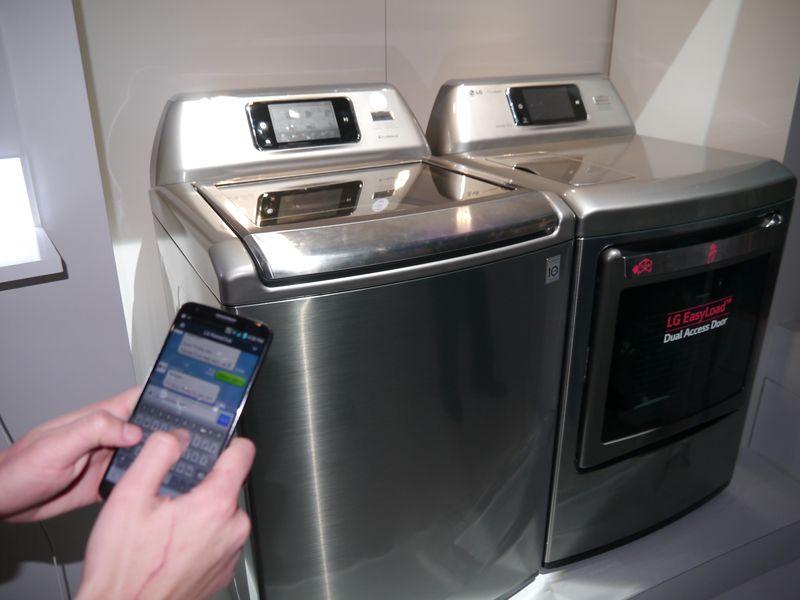 LINEを通じて洗濯機に作業を指示する