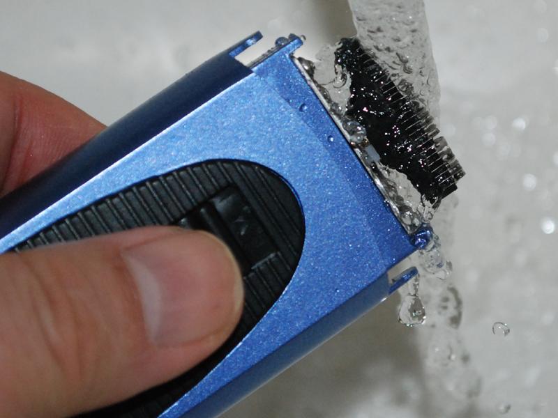 汚れた内刃は水で洗える
