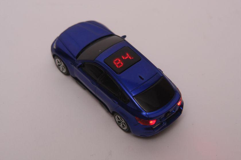 バッテリー残量は、サンルーフの部分に数字2桁で表示され分かりやすい