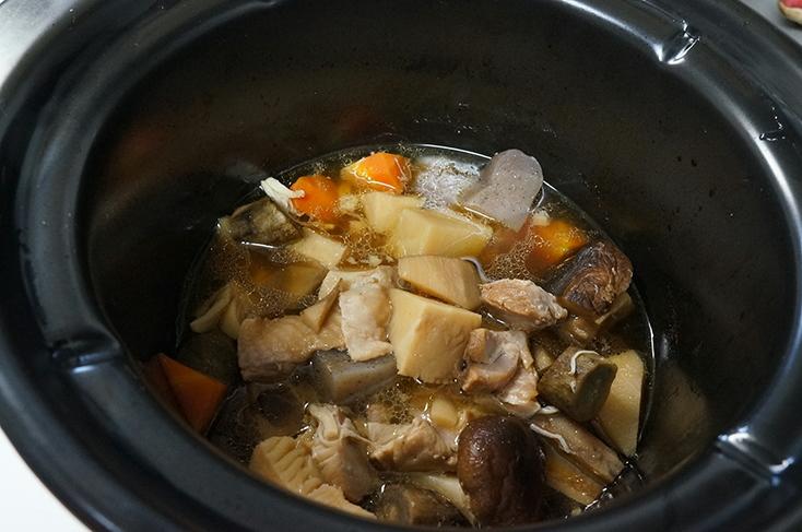 3時間経過したところ。しっかりと煮込まれている。ここで鍋を取り出して、1時間ほど冷ます