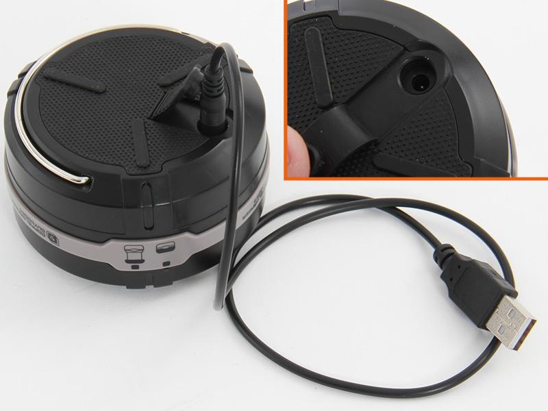 ニッケル水素電池使用時は、USBで充電できる