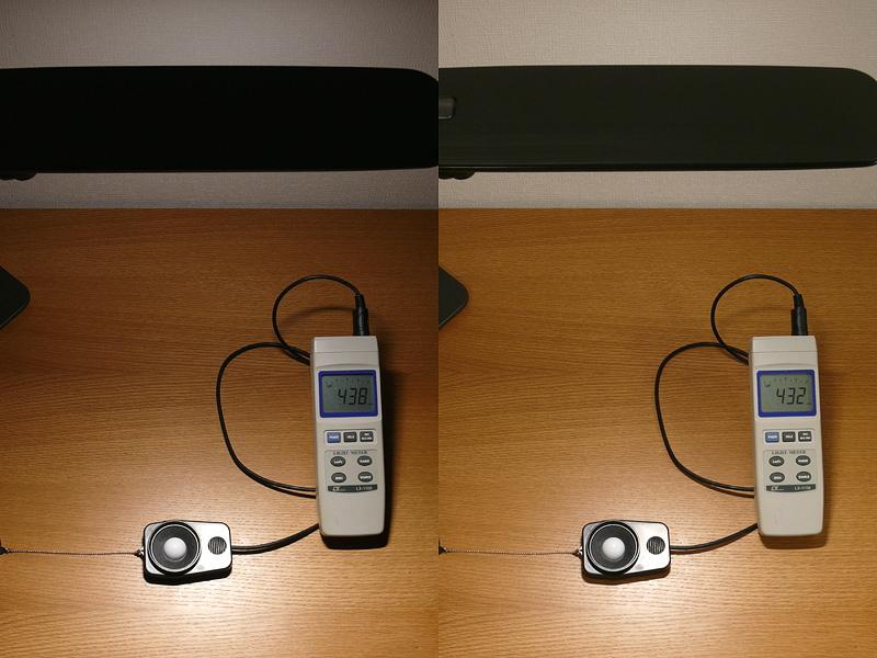 天井光が無くても(左)あっても(右)、デスク面の明るさはほぼ同じと言っていいだろう