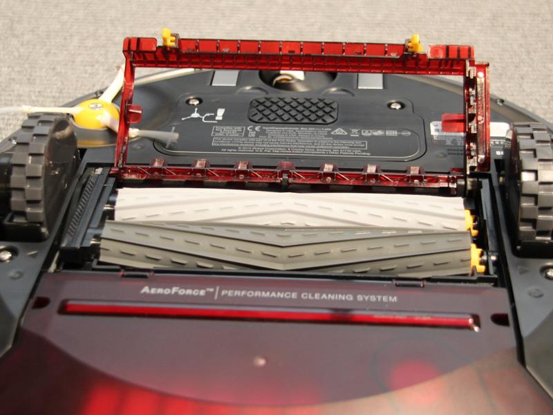 柔軟なシリンダーを使った「エアロフォースエクストラクター」を本体底面に配置する