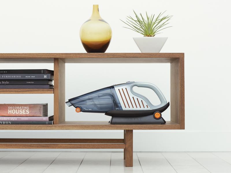 棚の上や棚の中など収納場所を選ばないマルチアングル充電スタンド