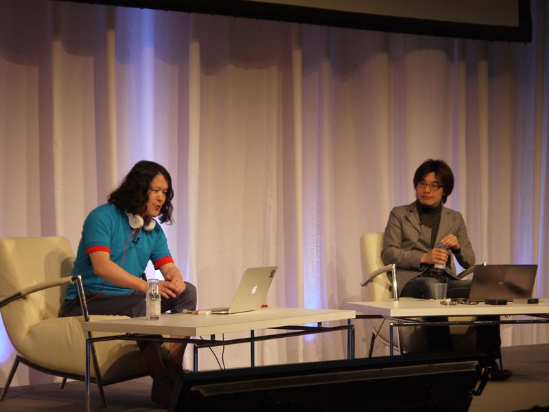 井口氏と岩佐氏のトークセッションでは、ウェアラブル端末を作るメーカー側からの視点で、テレパシーワンの今後の展開についてや、ハードを開発することの難しさなどが語られた