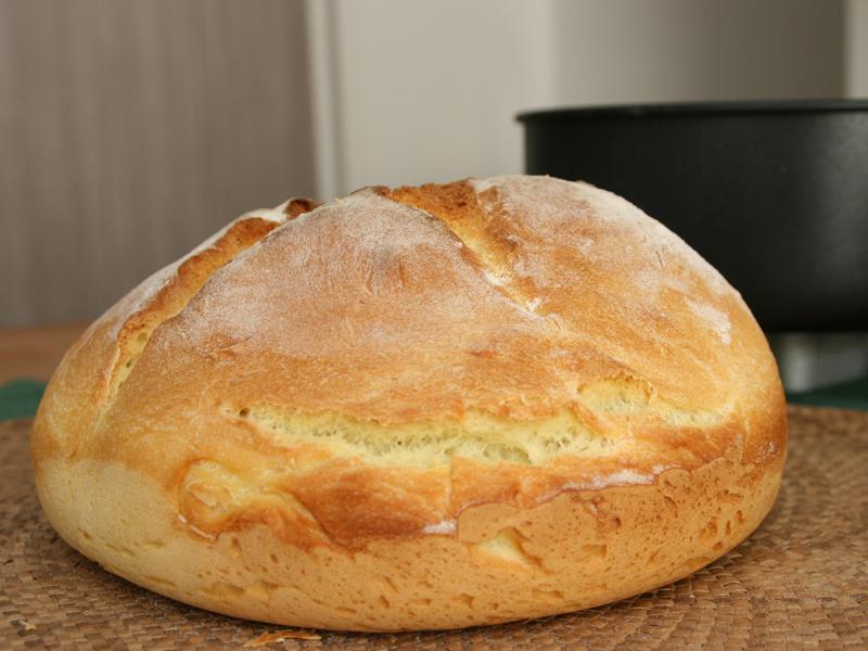 側面。パンがしっかり膨らんだのがわかる