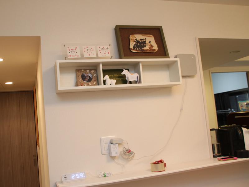 絵や写真などを置く「飾り棚」として大活躍している