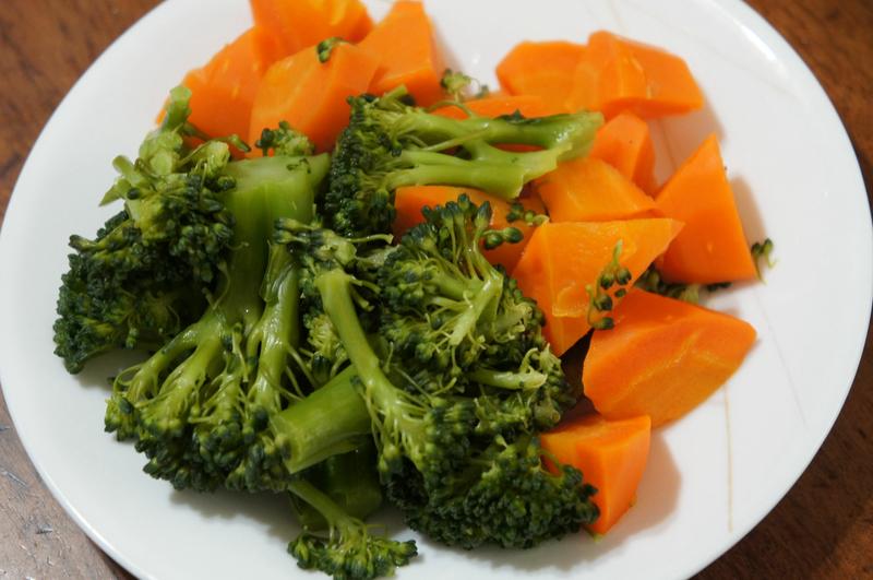 ビタミンが壊れにくい蒸し野菜も簡単だ