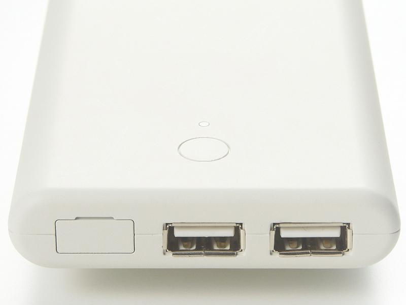 USBポートは2口備える