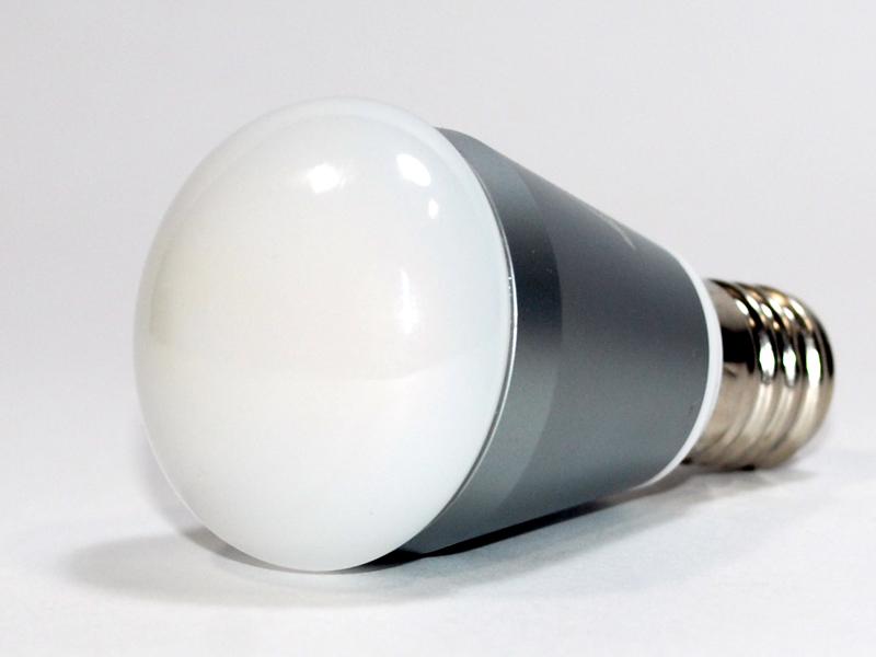発光部は光が広がるタイプ