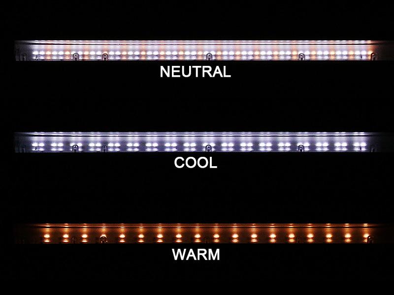 54個のLEDは、横幅265mmに1列で並んでいる。2色のLEDの明るさの割合で、昼光色~昼白色~電球色を調色している