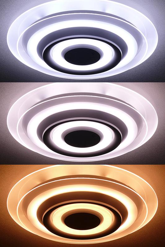 調色した器具の様子。「白い色・暖かい色」ボタンを押すと、白い色(昼光色6,500K)~中間色~暖かい色(電球色2,700K)へと変化する