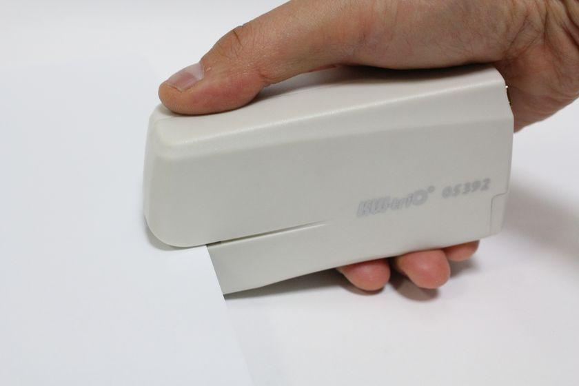 イーサプライ「USB電動ホッチキス EEA-05392」