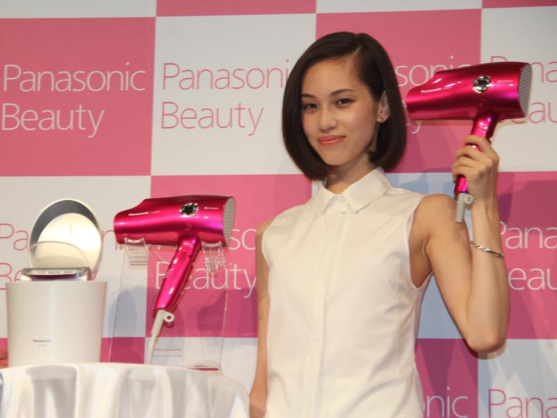 Panasonic beautyの新宣伝キャラクターに起用された水原希子さん