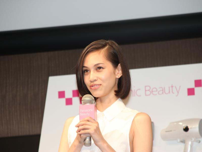 新・宣伝キャラクターの水原希子さん。Panasonic beautyのイメージキャラクターは密かに抱いていた夢だという