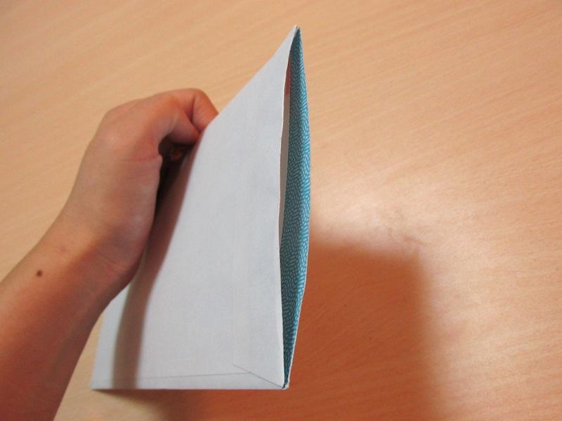 きれいな切り口で、中の手紙も取り出しやすい