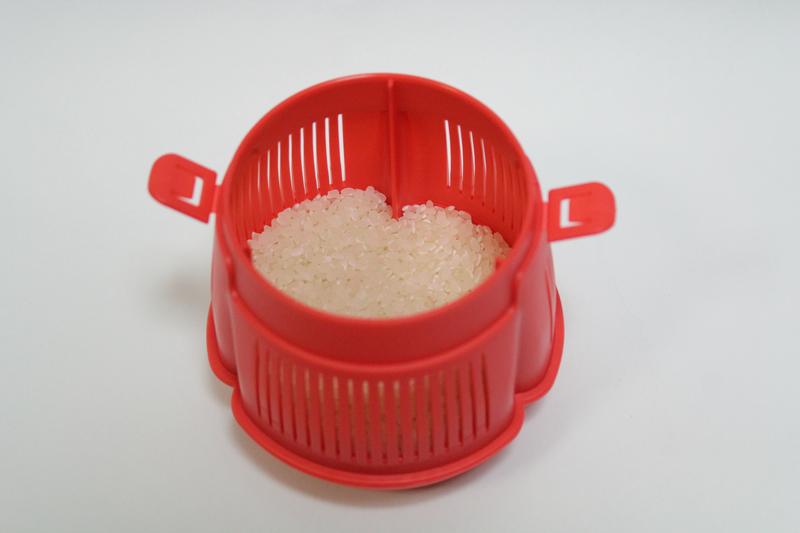 本体に米を投入する