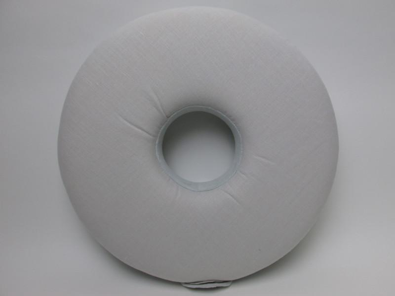 綿・麻素材。サラっとしているので夏の使用に適している