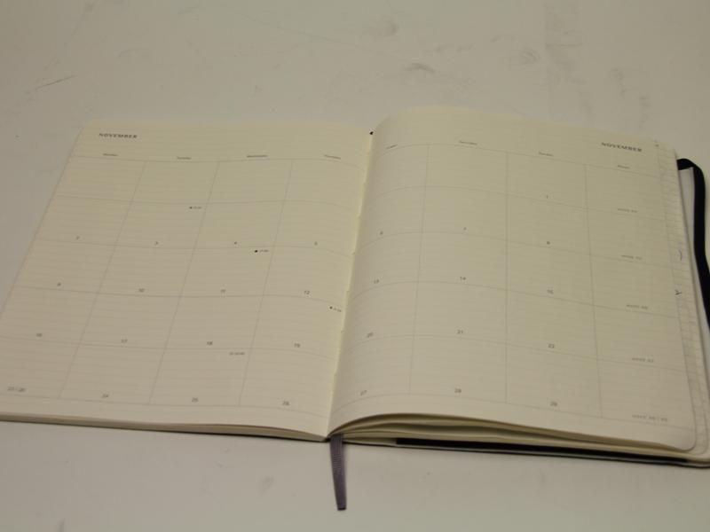ごくシンプルな構成のマンスリーページ
