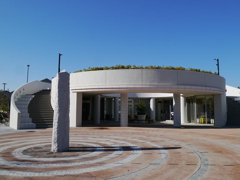 Fujisawa SSTの中心部にあるコミッティセンター