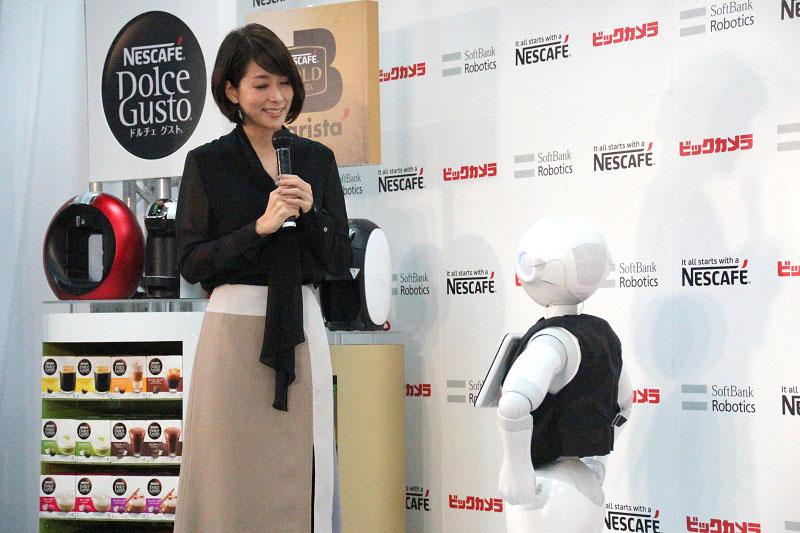 内田さんに合った製品を勧めるために質問中