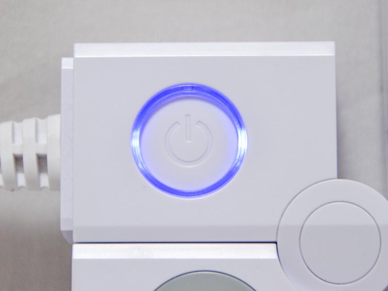 すべてのコンセントとUSBポートの電源をON/OFFできるスイッチも搭載する