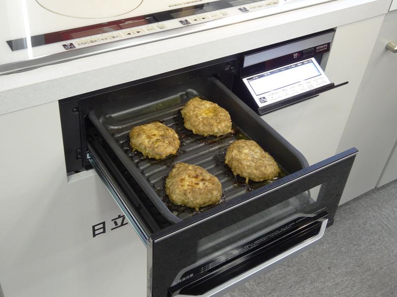 「ラク旨グリル」ではハンバーグなどが両面同時に焼ける