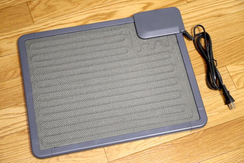 アイリスオーヤマ「デスクヒーター DEH-45-T」購入価格は5,957円(Amazon)