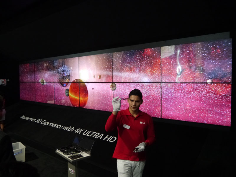 4Kの3Dテレビのデモストレーションも行なっていた