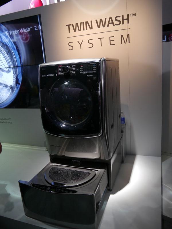 TWIN WASH SYSTEMを搭載した洗濯機
