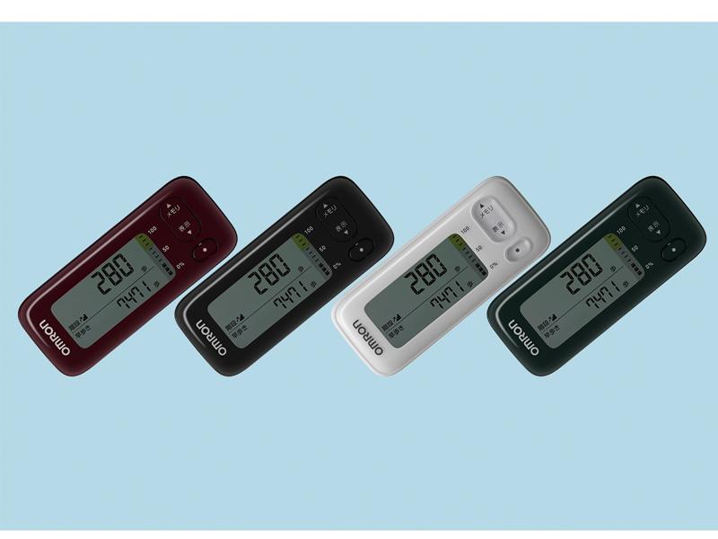 「オムロン 活動量計 HJA-403C」左からレッド、ブラック、ホワイト、グリーン