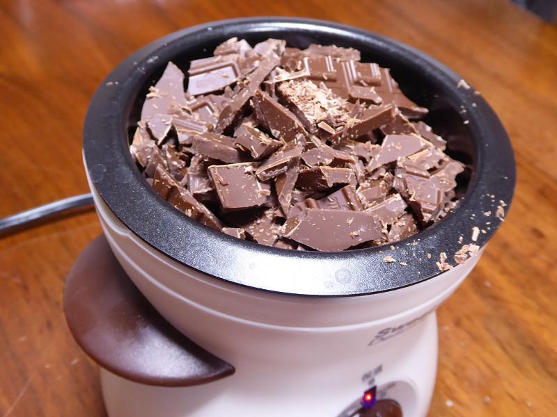 レシピ通り180gのチョコレート。山盛りだ