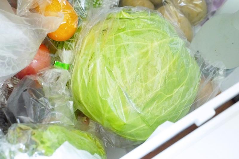 ビニール袋に入れて、穴を下にして野菜室へ