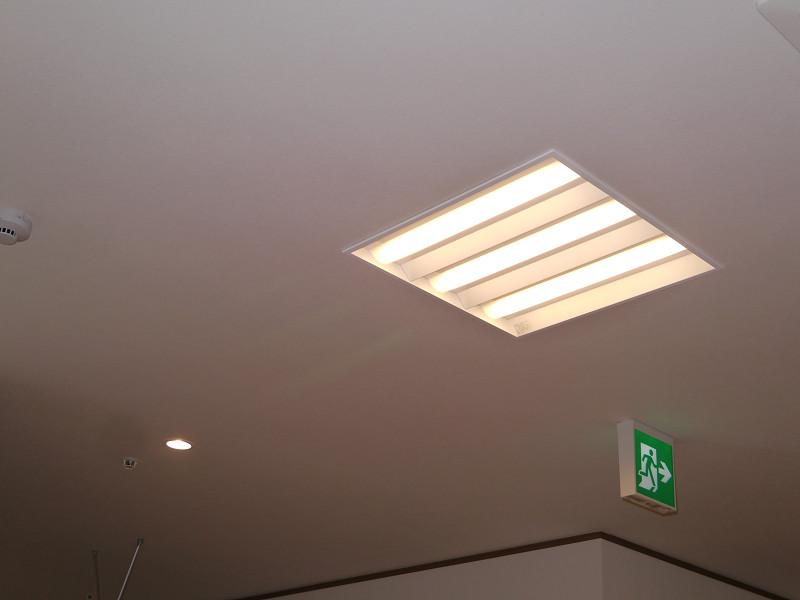 全館LED照明を採用