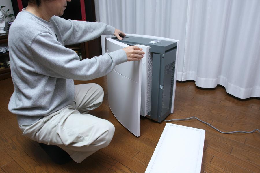 新品と同じ性能で空気を清浄できる。メンテナンスだけでは、買った当初の性能まではどうしても戻らない