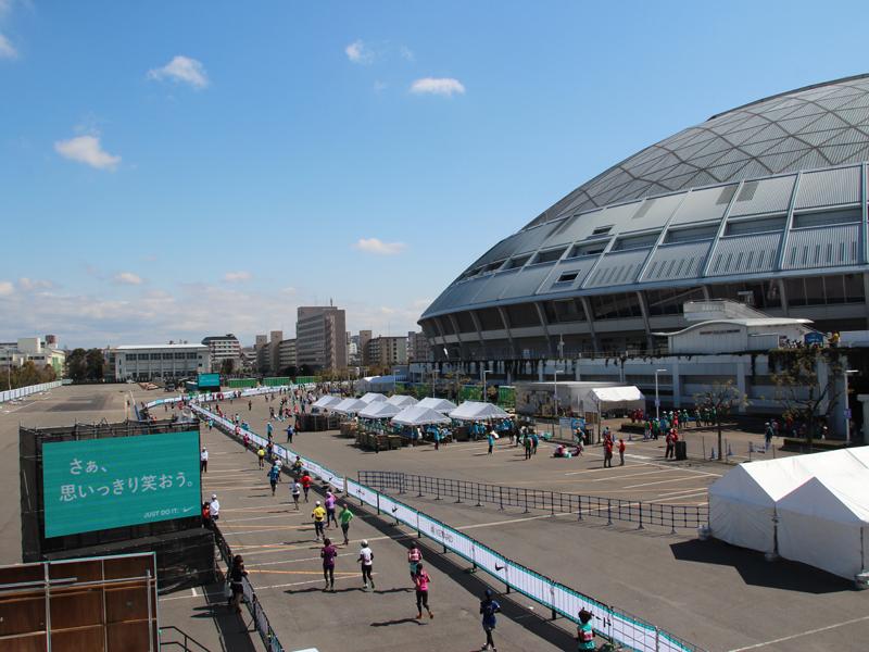 愛知県・名古屋市で開催された名古屋ウィメンズマラソン。ゴール地点となるナゴヤドームでは、「マラソンEXPO」が開催された