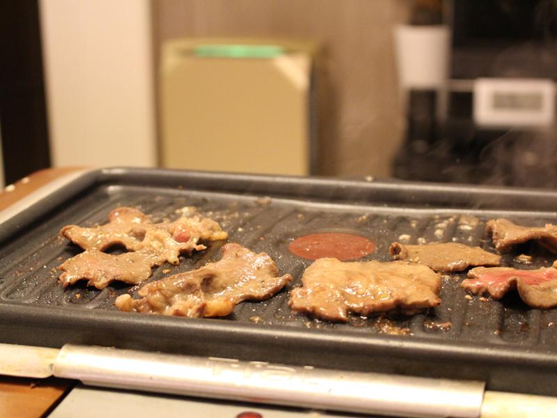 焼き肉をやった時。脂の少ないタンを焼いている時はモニターの色は黄緑だった
