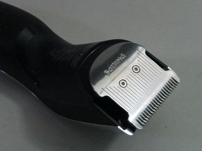 45°ダブル鋭角刃を採用した刃部分。下部のボタンを押すだけで脱着できる