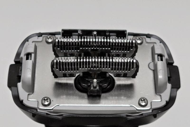 ステンレス製の内刃は、約14,000ストローク/分で駆動