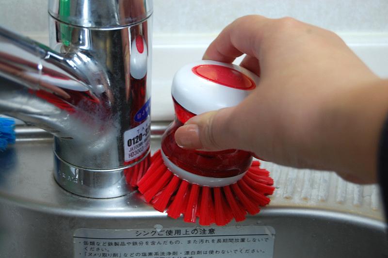 水栓の根元など、水垢が溜まりやすいところに届きやすい