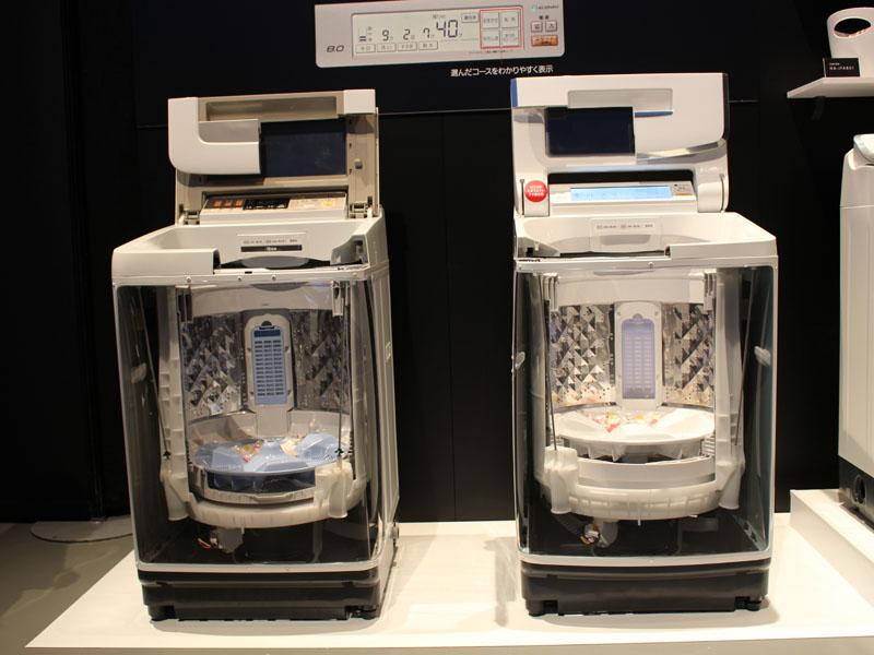 従来機種(左)と比べると、前面の高さは低く、洗濯槽の槽のそこは高くなっている