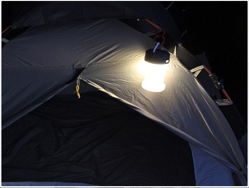 テントから出る時にセンサーライトとして