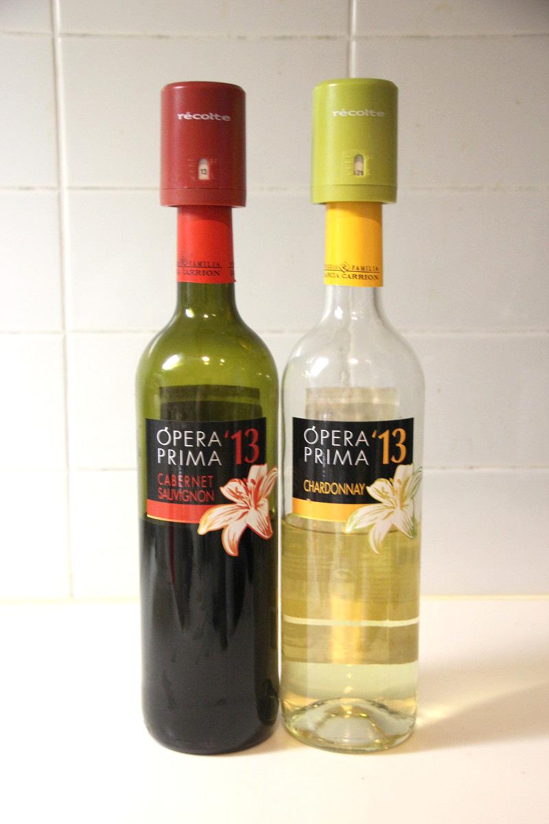 ボルドーレッドは赤ワインに、オリーブグリーンは白ワインに使えばわかりやすい
